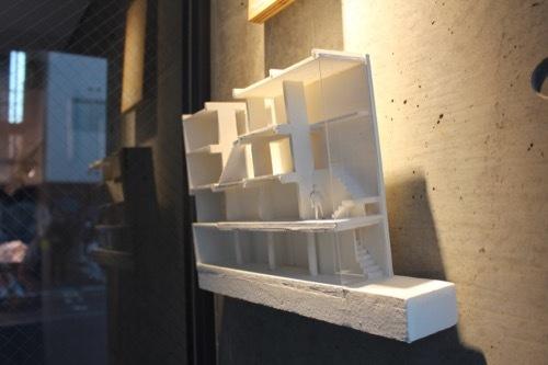 0172:日本橋の家 模型断面①