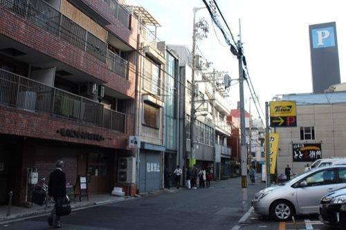 0172:日本橋の家 通りから①