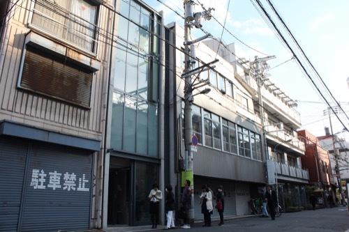 0172:日本橋の家 通りから②