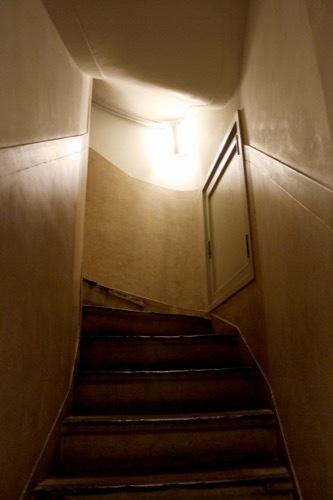 0181:生駒ビルヂング 地下フロアへの階段①