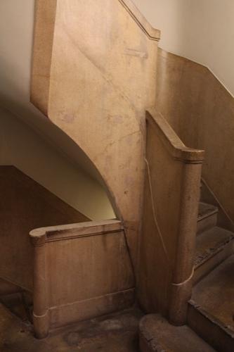 0181:生駒ビルヂング 地下フロアへの階段②