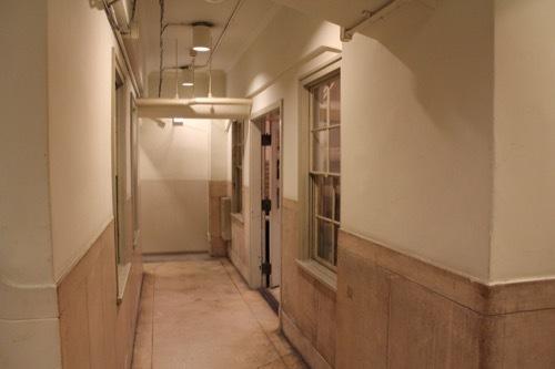 0181:生駒ビルヂング 地下フロアの廊下