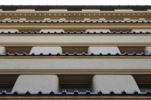 0182:高麗橋野村ビルディング ファサードを真下から