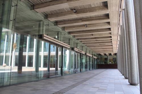 0150:兵庫県立芸術文化センター 1階入口
