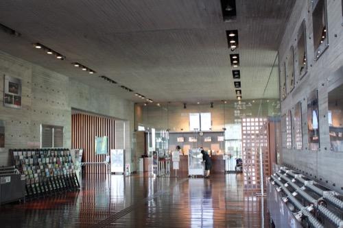0150:兵庫県立芸術文化センター 2階の内観