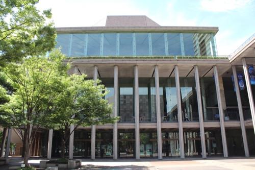 0150:兵庫県立芸術文化センター 上階に小ホールのある外観