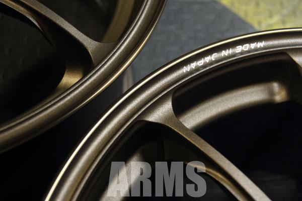 レイズ ZE40 ブロンズ リムの修理