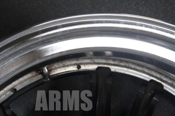 マーベリック 405S リムの修理