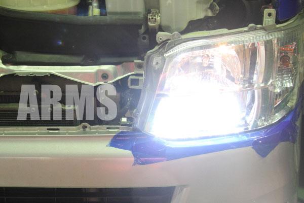 ハイエース 200系 HID ライト 交換方法