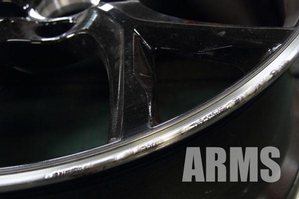 新型シビック タイプR 純正ホイール 赤いライン 傷修理