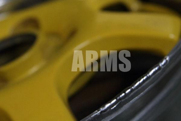 レーシングスパルコ イエローカラー リムの変形 傷修理