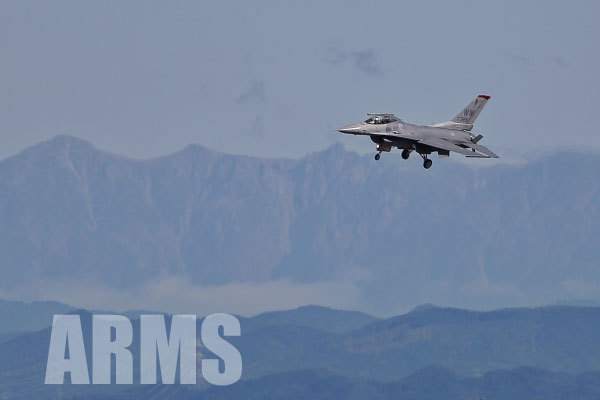 F16 ファイティングファルコン 岐阜基地 アクロバット