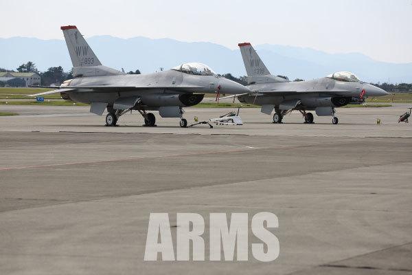 F-16 ファイティングファルコン 岐阜基地 アクロバット
