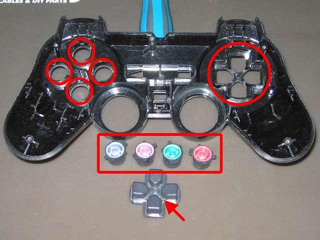PS2 コントローラー(デュアルショック 2) スプレーを使ってメンテナンス、○×△□ボタンの側面とボタン穴のすれ合う部分と十字キーと十字キー穴のすれ合う部分にドライファストルブを噴射