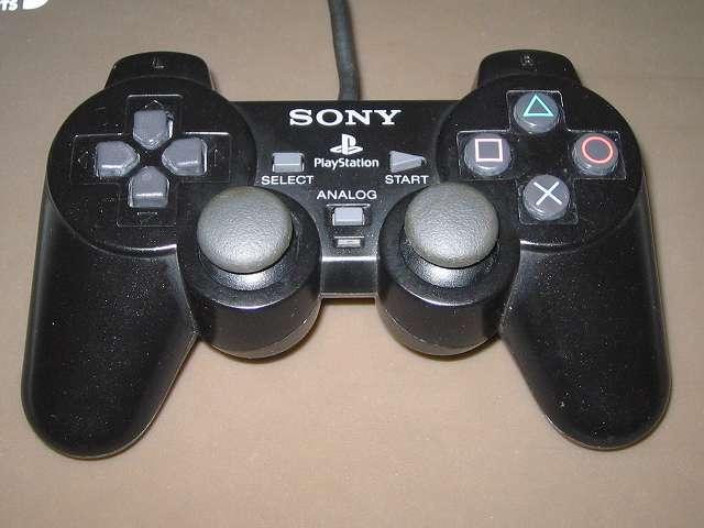 PS2 コントローラー(デュアルショック 2) スプレーを使ってメンテナンス、スプレーによるメンテナンス完了後、元通りに組み立てて動作確認する