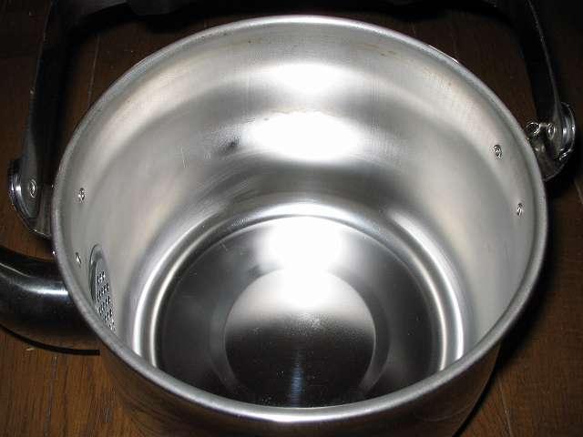 エルマース ステンレス製 広口ケトル 3.2L H-2042 水垢落とし、水垢がきれいに取れたステンレスケトル