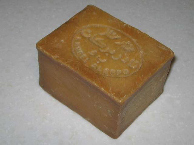 オリーブとローレルの石鹸 (ノーマル) カット前