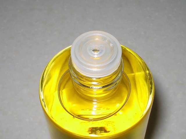 大島純粋三原椿油 伊豆大島のヤブ椿 100% 150ml 三原椿油入りビン キャップ開封後、中栓
