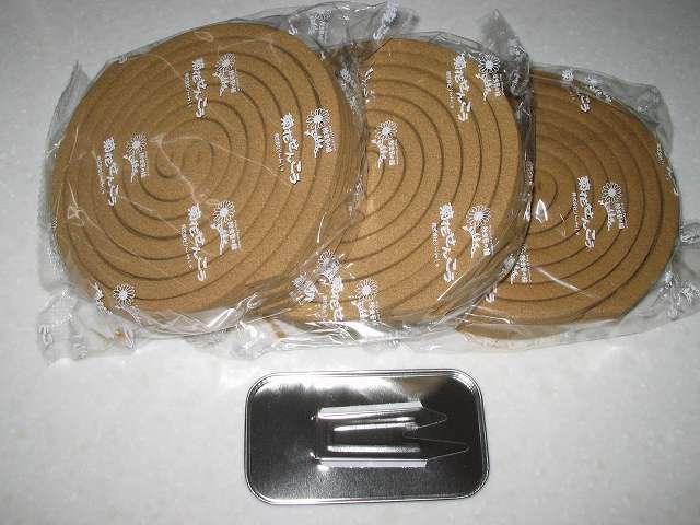菊花せんこう 標準型 30巻入 線香入り 3袋(2巻×5セット=1袋)、線香立て 1個