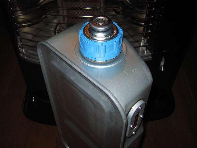 トヨトミ 石油ストーブ RS-S23C クリーニング・メンテナンス作業、油タンク内の灯油を抜き取る