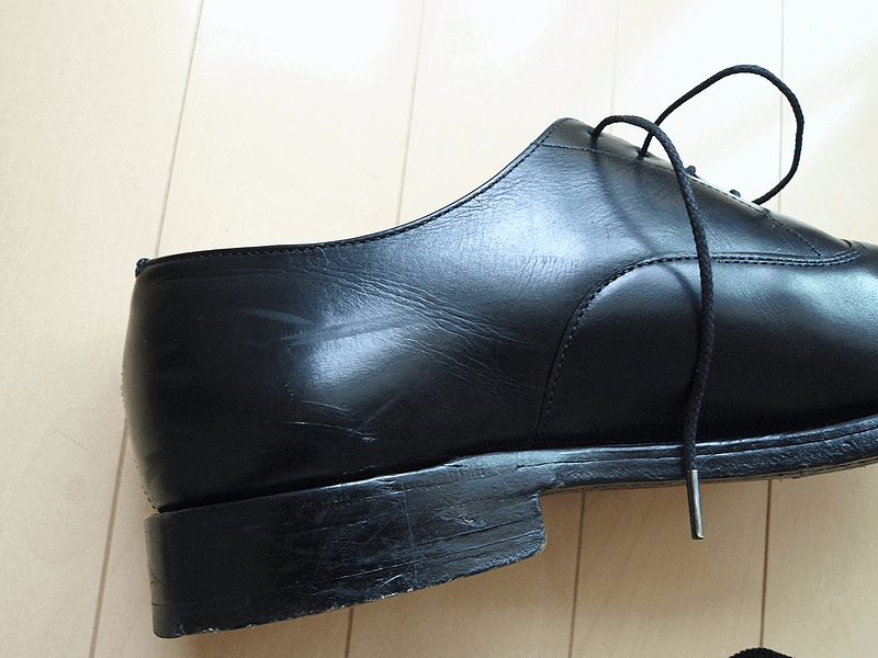 踵スレ靴磨き前