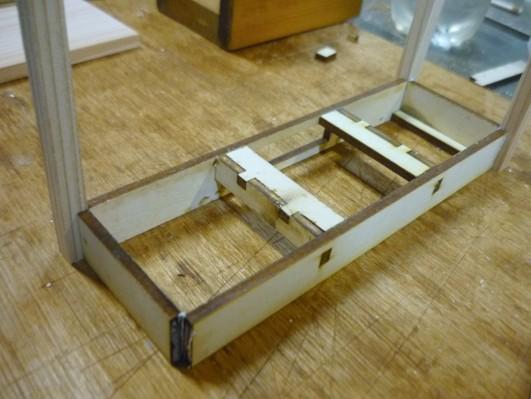 desk004.jpg