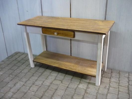 desk007.jpg