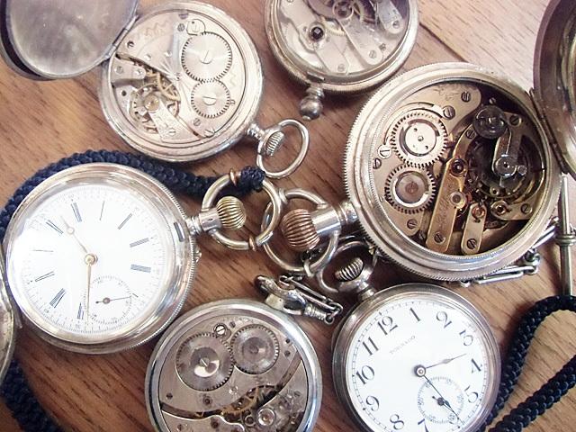 手ごろな時計たち