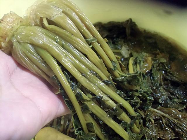 塩漬けの青菜