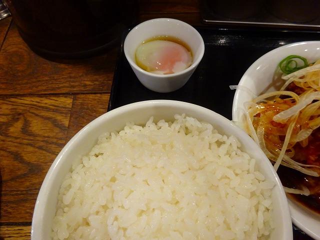 すする担々麺3 (5)