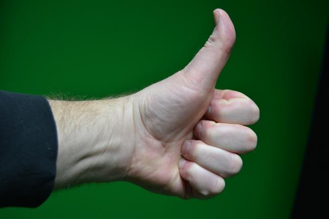 thumbs-up-797580_1280.jpg