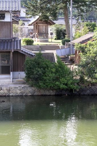 佐陀川から見た田中神社