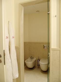 ドイツ トイレ ホテル