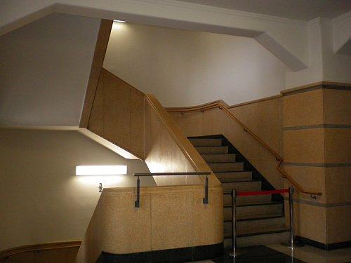 横浜税関・階段