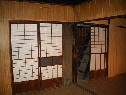 川越織物市場・1階