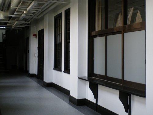 学習院・南1号館廊下
