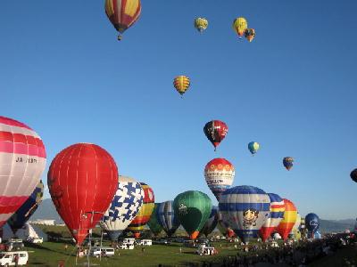 baloon-grn.jpg