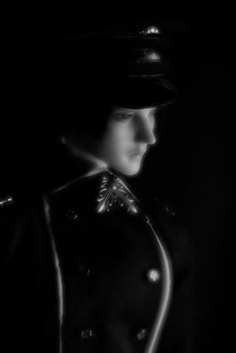 「帝都物語」の加藤保憲としてお迎えした、Ringdoll、Dracula-Style B。ソフトな質感のモノクロ写真を撮ってみたくて、Lomography Daguerreotype Achromatで挑戦。