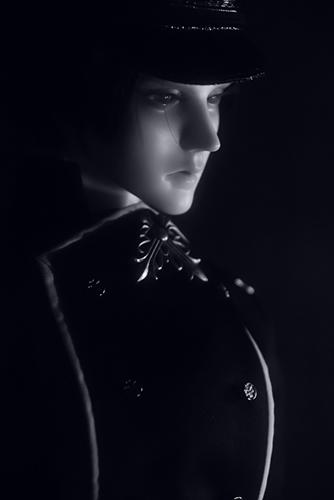 「帝都物語」の加藤保憲としてお迎えした、Ringdoll、Dracula-Style B。ソフトな質感のモノクロ写真を撮ってみたくて、レンズフィルター・フォギーAを使ってみました。