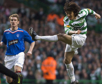 Shunsuke Nakamuras ridiculous swerving effort for Celtic FC against Rangers from 2008