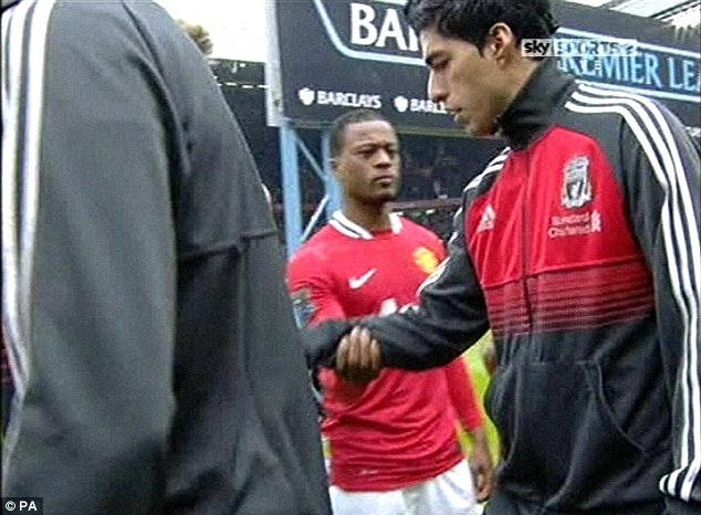 Evra-Suarez-bad-handshake.jpg