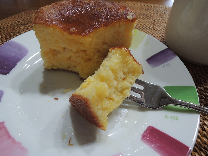 スフレパンケーキを切って見ました