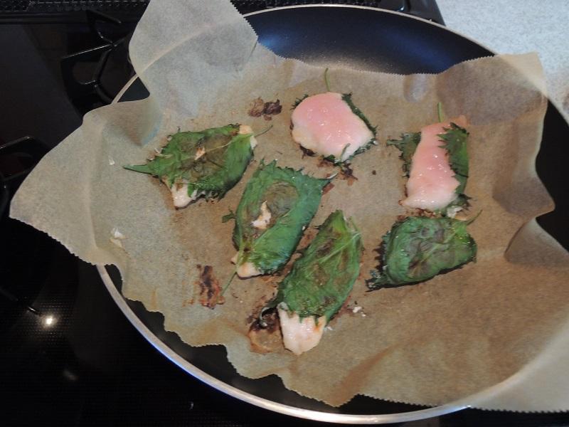 鶏の胸肉と大葉のソテー