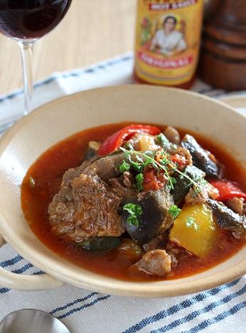 牛すじと夏野菜のトマト煮1
