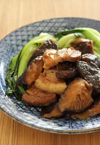 厚切り豚ばらと肉厚しいたけの旨煮