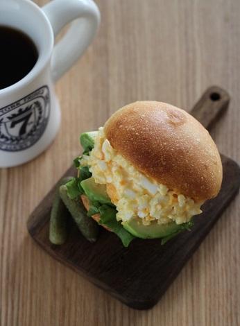 アボカド卵サンド