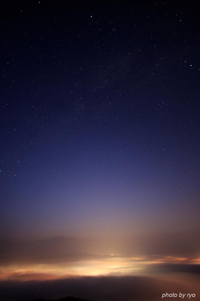 雲の上からの日の出_1