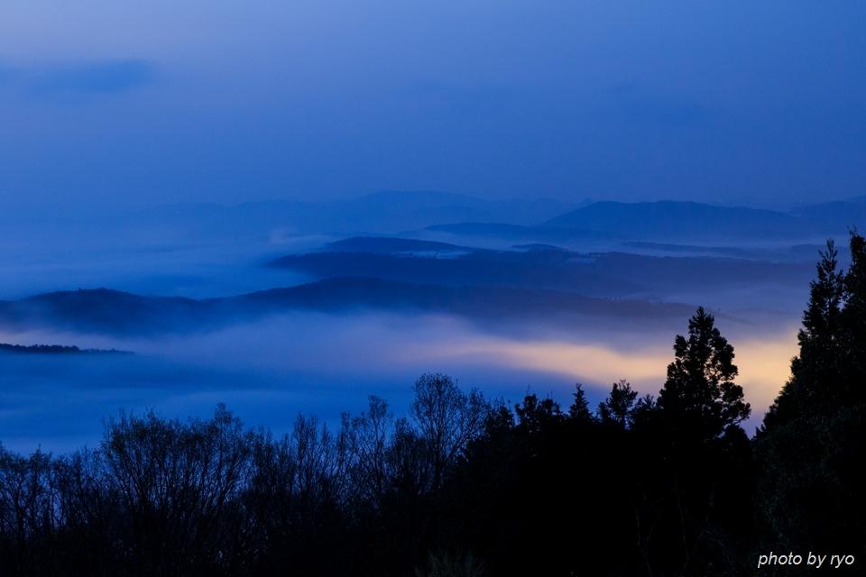 雲の上からの日の出_2