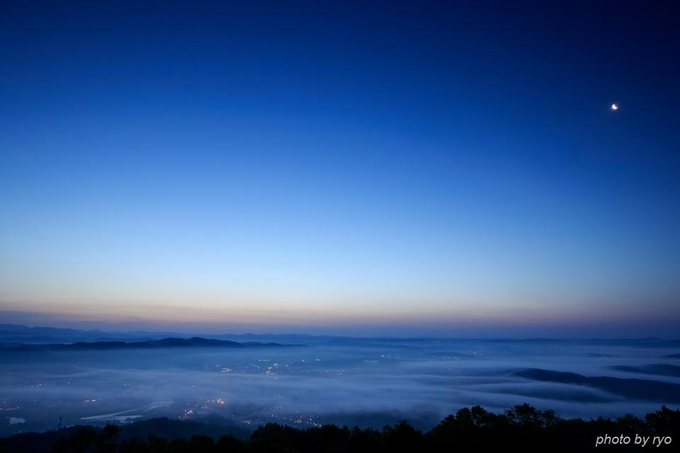 薄い霧の朝_1