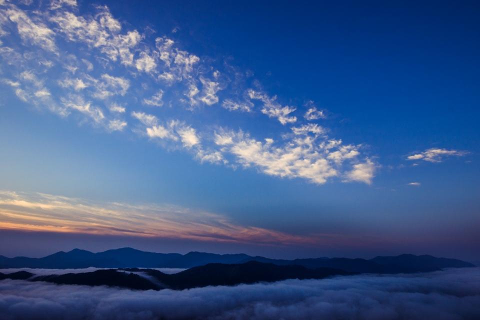 霧那流るる朝に_3
